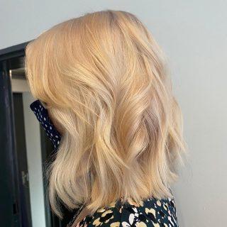💗Colour Change💗  Colour & Cut by @ivylouisehair   #blondehair #brunettetoblonde #colourtransformation #lorealprofessionnel #platinumblonde #hairdresser #norwichbusiness #norwichsalon