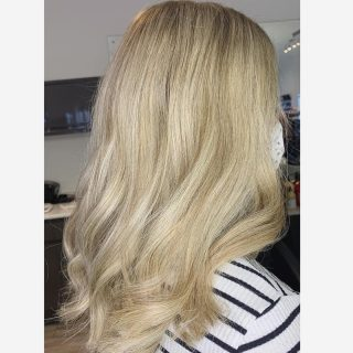 🤍Blonde🤍  Colour & cut by @_hair.by.penny_   #hairdressing #longhair #colourchange #newhairday #forgreathair #norwichsalon #smallbusiness #lorealprofessionnel #colouring