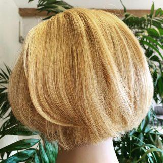 ✂️ One Length Haircut  Cut by @_hair.by.penny_   Cutting tutorial by @benbrownhair   #onelength #onelengthcut #bob #bobhaircut #longbob #precision #precisionhaircut #hairinspo #blondebob #hairstyle #hairdresser #haircut #norwichhairdressers #norwichhair #coltishall #fghsaloncoltishall